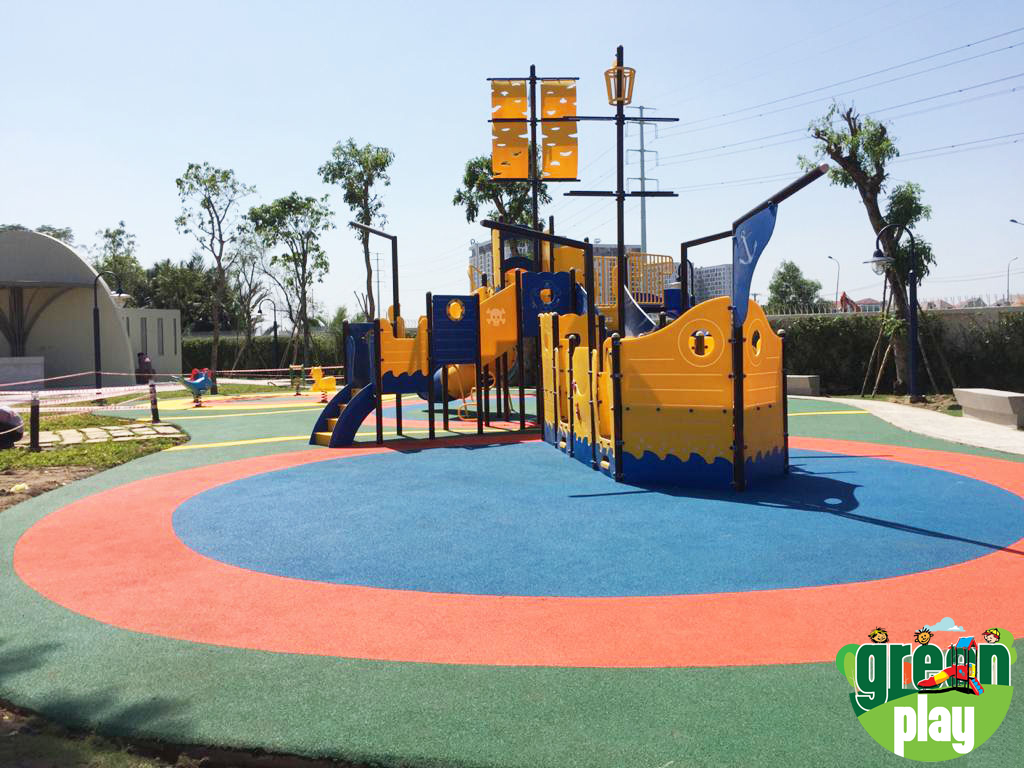 Ship Style Playground Equipment and EPDM Flooring